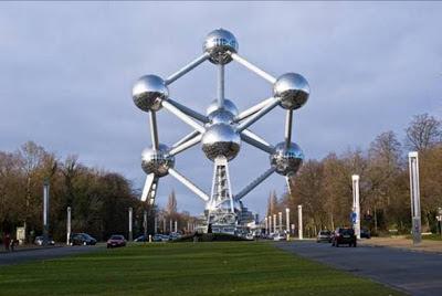 El Atomium (Bruselas, Bélgica). los edificios mas extraños del mundo. Edificios extraños
