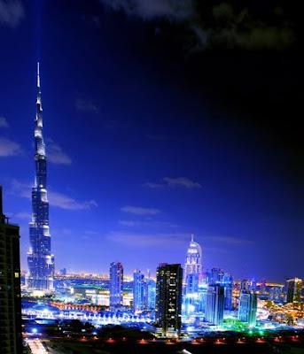 El edificio más grande del mundo en Burj, Dubai, Emiratos Árabes Unidos. (828 metros)