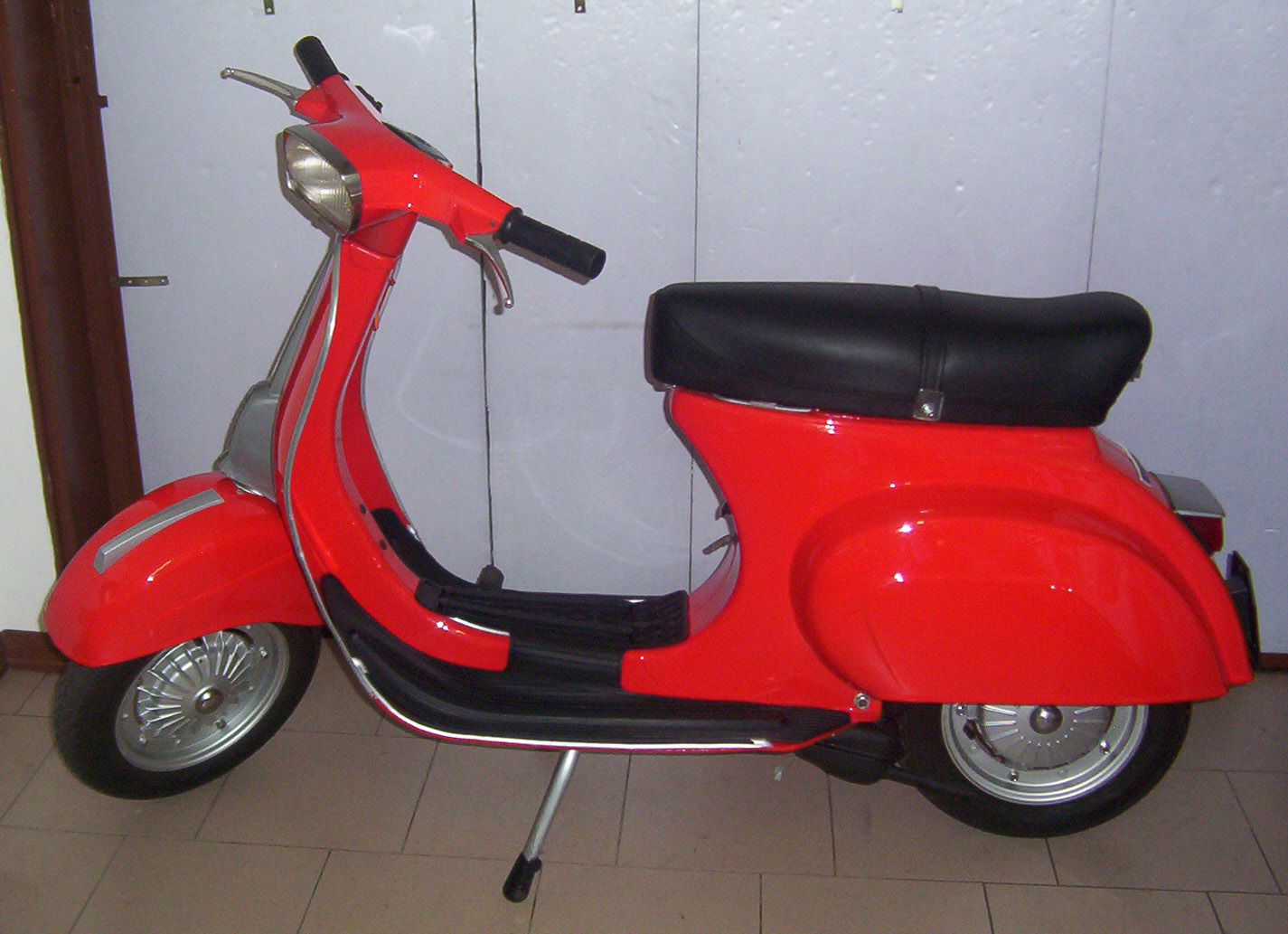 vespa 50 special 1973 vespa scooters. Black Bedroom Furniture Sets. Home Design Ideas