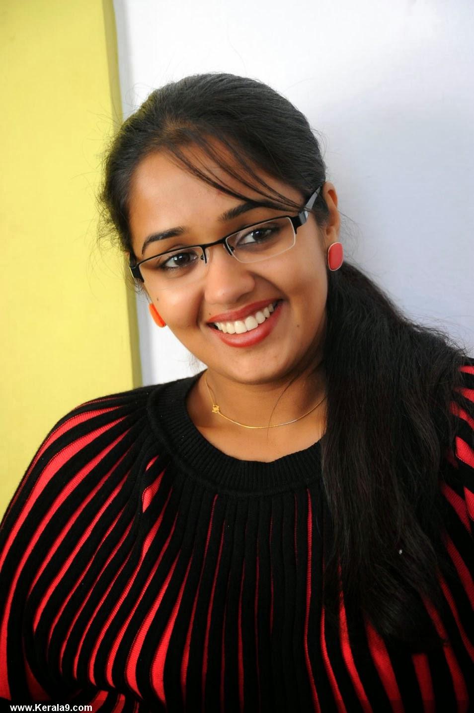 daily tamil malar: beautiful ananya