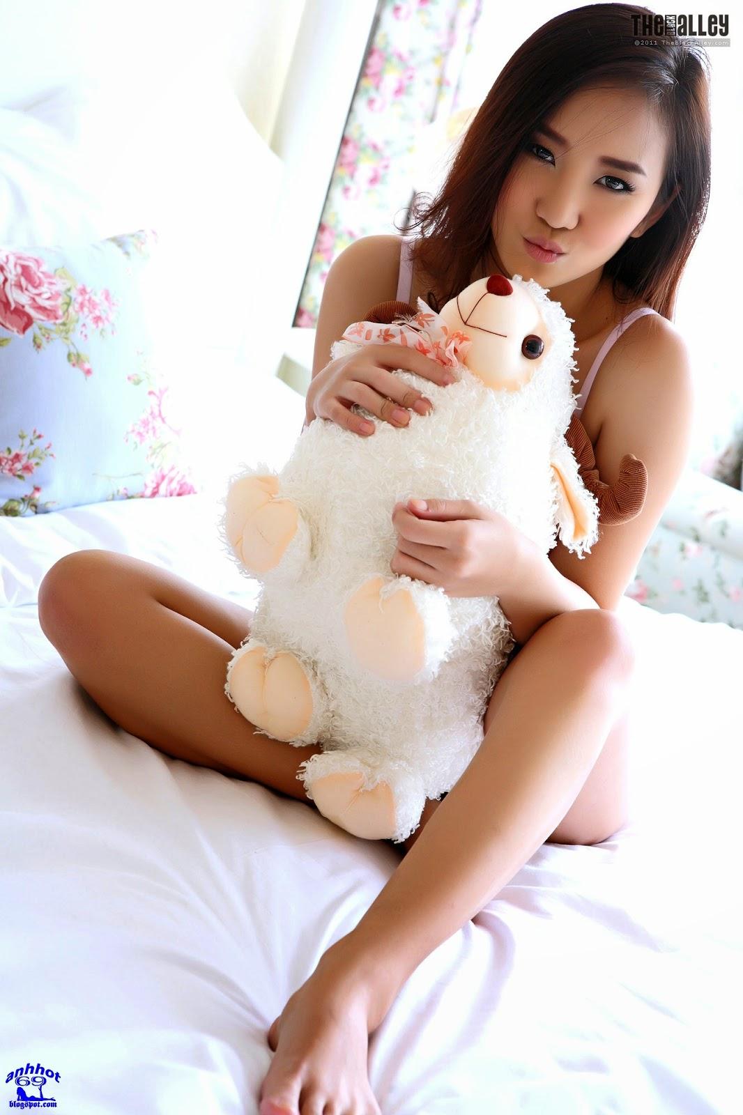 lolita-cheng-64-030