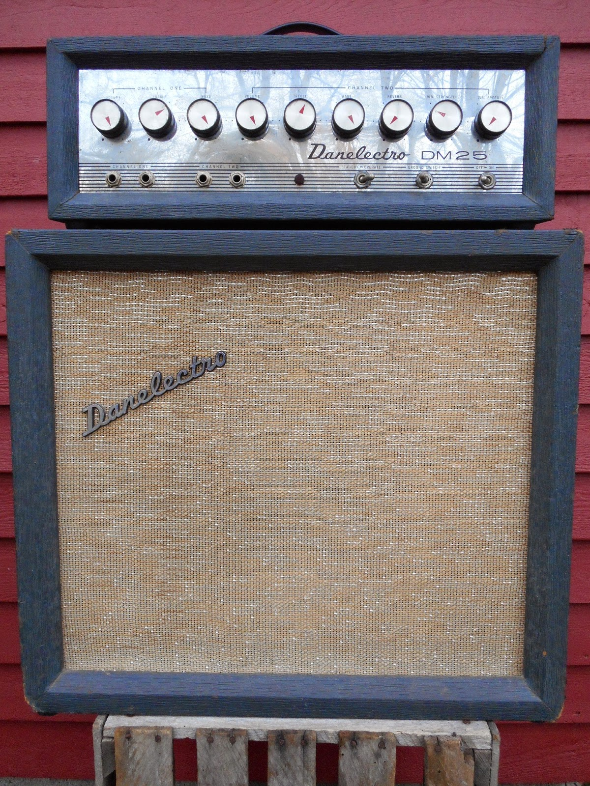 Dating a danelectro dm25 guitar amp