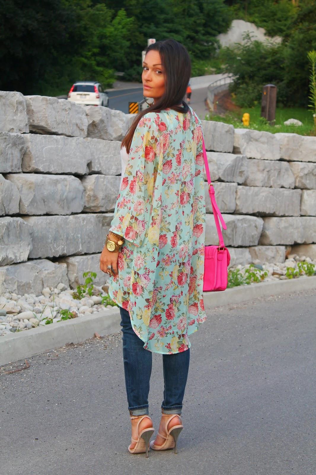Floral kimono, ways to style a kimono, boho inspired outfit, ripped jeans zara, blogerke, floral print, canandian fashion bloger, toronto street style