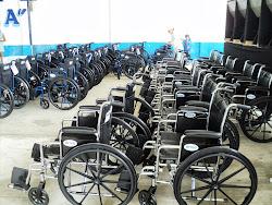 En espera de  la entrega de 50 sillas