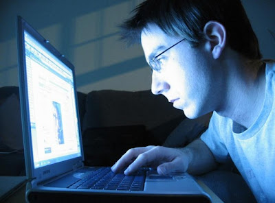 Menjauh dari komputer - www.jurukunci.net