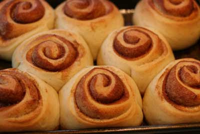 cinnamon rolls - proofed