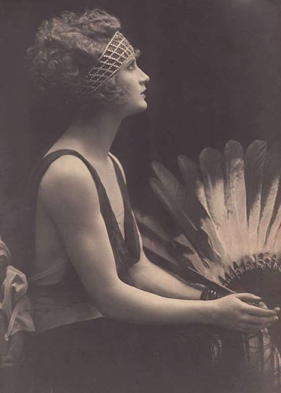 1920s Flapper #vintage #deco #20s #1920s #fashion #flapper