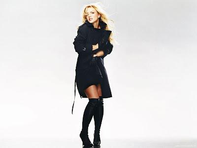 Britney Spears Desktop Wallpaper-1440x1280-02