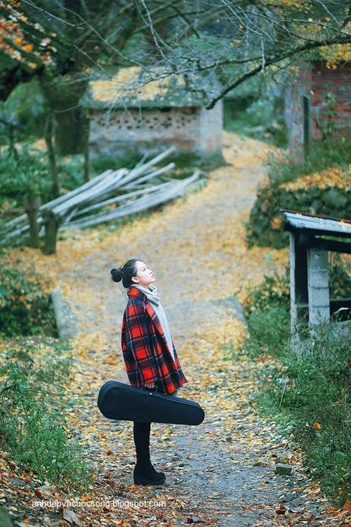 Thiếu nữ dao phố mùa thu 5