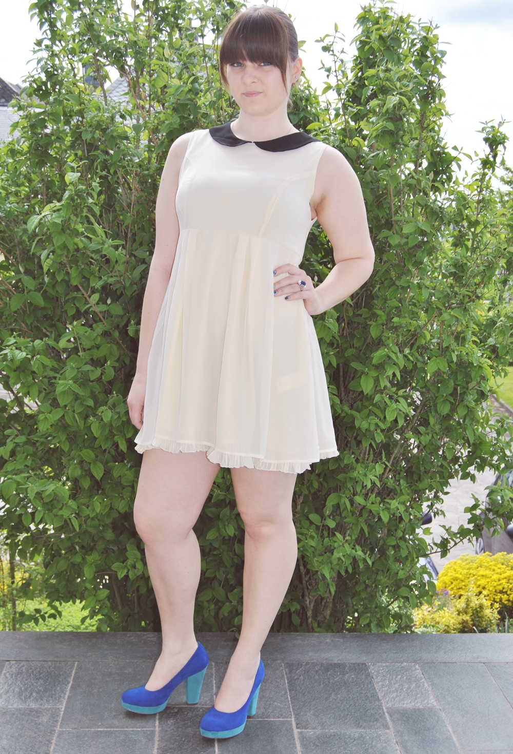 white peter pan collar dress