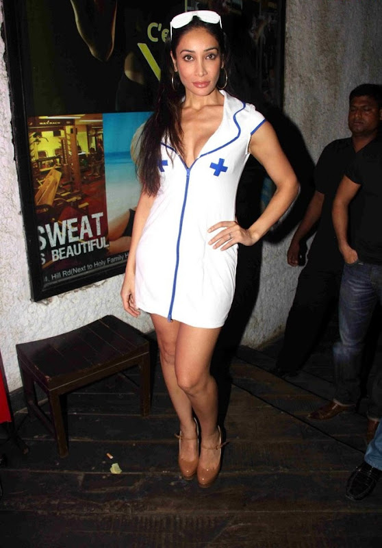 Indian d Star Masala Queen  Sofia Hayat New Hot StillsPhotos glamour images