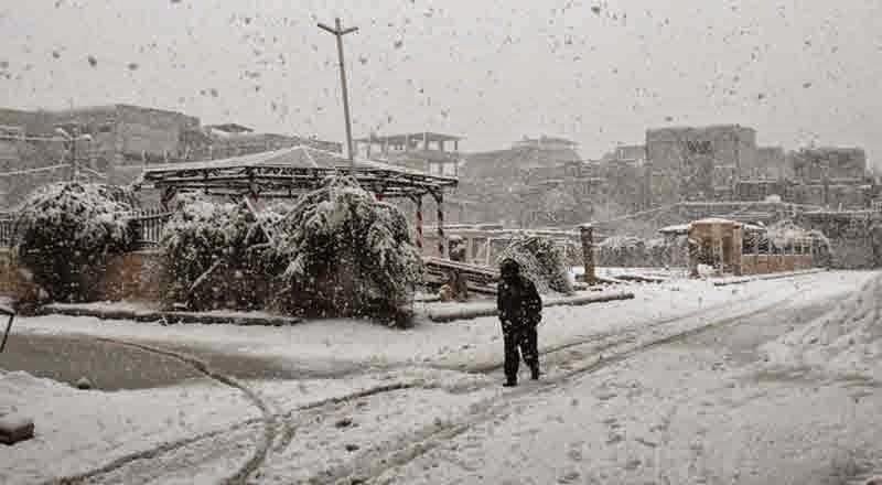 badai salju timteng