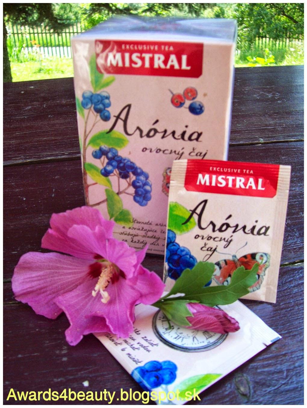 Ovocný čaj Mistral z arónie v krásnom obale s kreslenými detailami.
