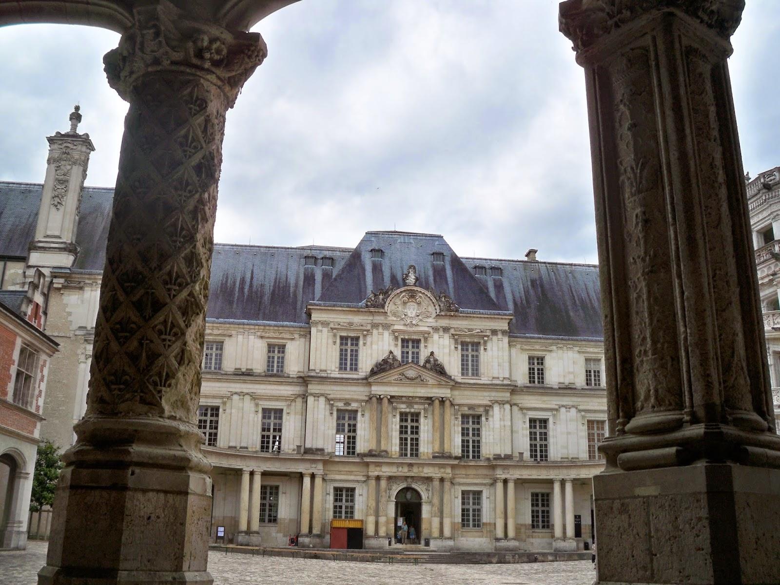 Le salon des lettres ch teau royal de blois for Salon du chiot blois