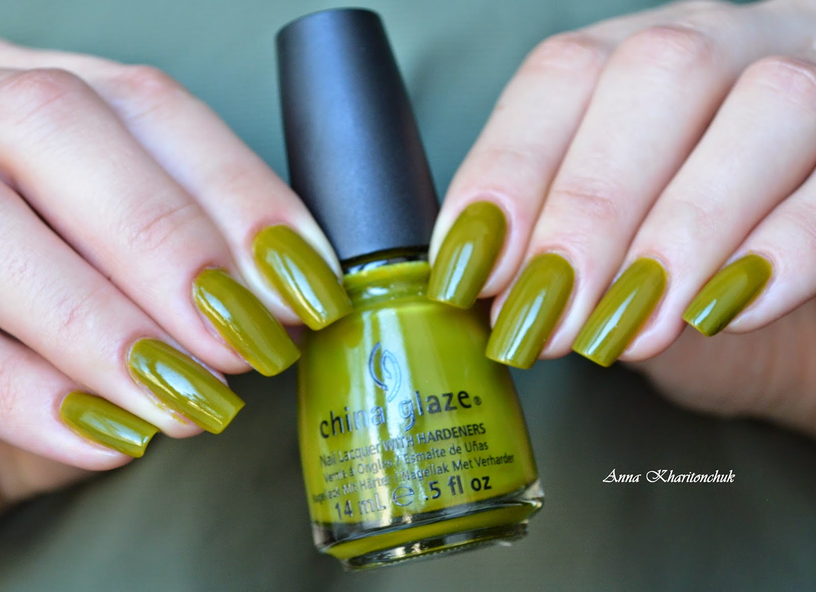China Glaze Budding Romanse + стемпинг