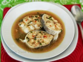 Catfish Pepper Soup, NIGERIAN Catfish Pepper Soup, nigerian pepper soup, nigerian food tv