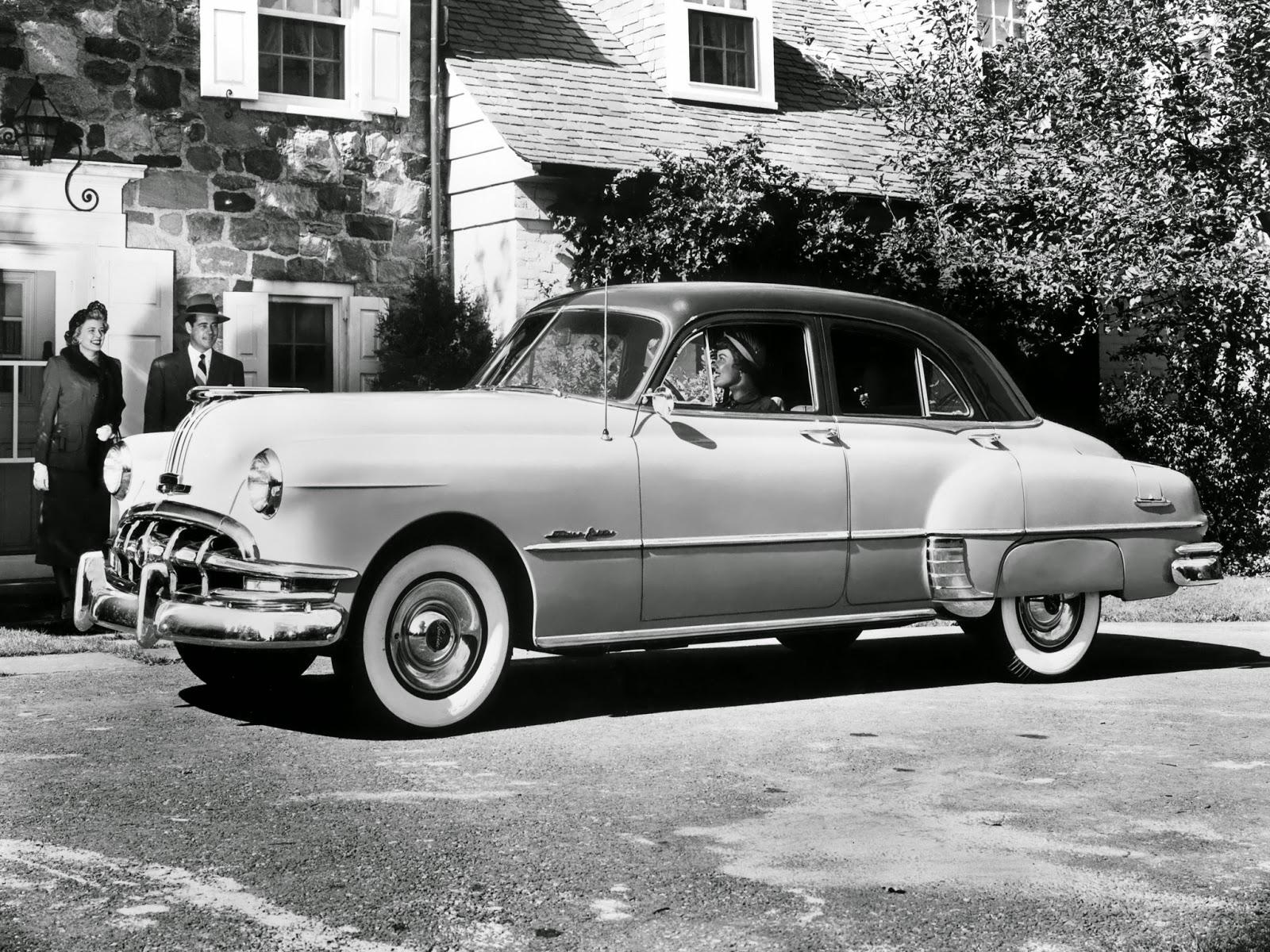 Autos Classiques Pontiac Chieftain 1953 Sedan Ct Moteur Offre Le Choix Entre 6 Cylindres 39 Litres De 90 93 Ch Ou 8 41 Dveloppant 103 106
