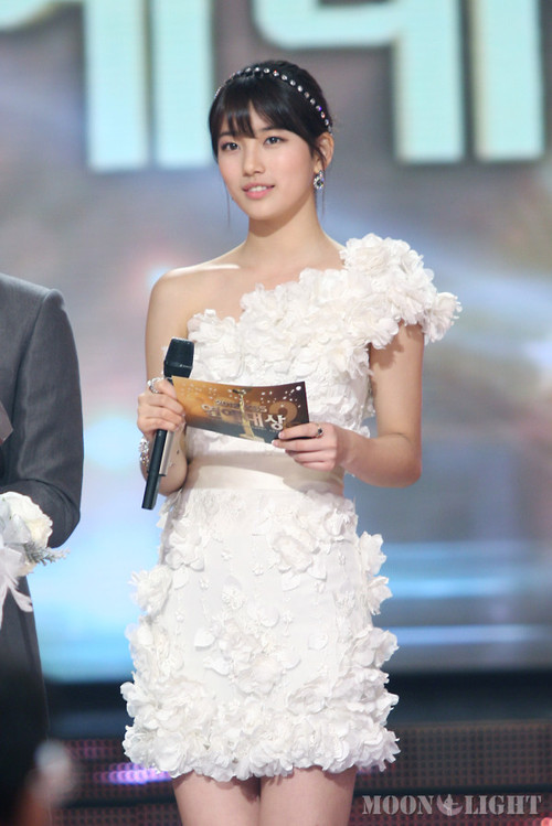 BAE SUZY MISS A PHOTO 2012 KBS ENTERTAINMENT AWARD