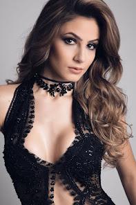 Lara Lobo