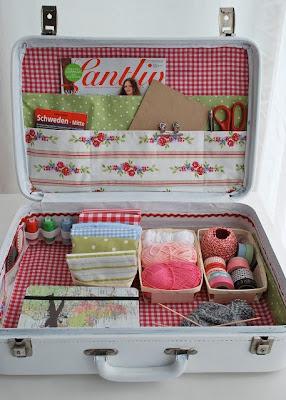 идеи, Suitcases