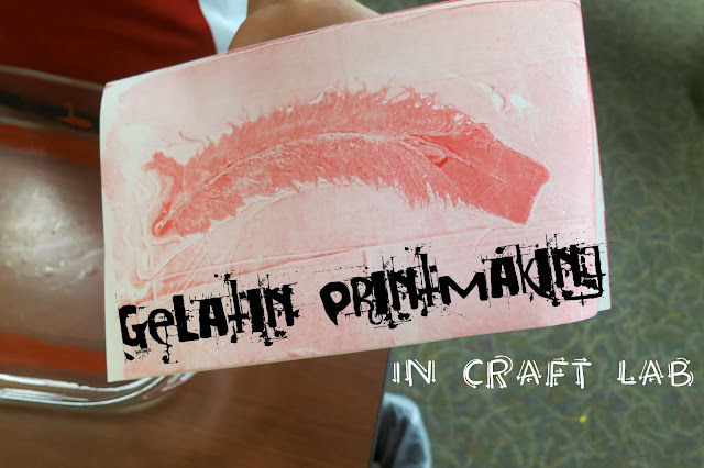 http://librarymakers.blogspot.com/2013/10/craft-lab-gelatin-printmaking.html