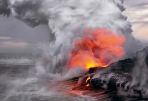 Lava flows hawaii 300x204 Pemandangan Terindah di Dunia