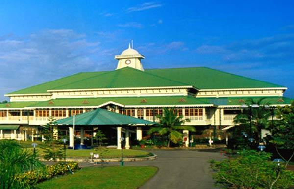 Le Meridian Cochin Hotels Kerala