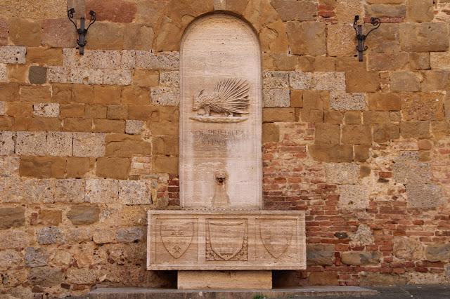 fontana contrada istrice