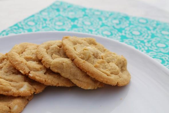 White Chocolate Macadamia Nut Cookies | WhatchaMakinNow.com