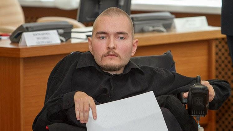 NOTICIA INSÓLITA - El primen hombre en la historia en someterse a trasplante de cabeza