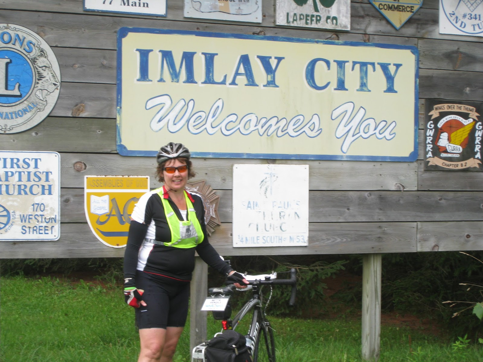 imlay city women A woman was stabbed on monday and another woman is in custody, wdiv reports  imlay city hit and run suspect found dead aug 4, 2018, 8:57 am.