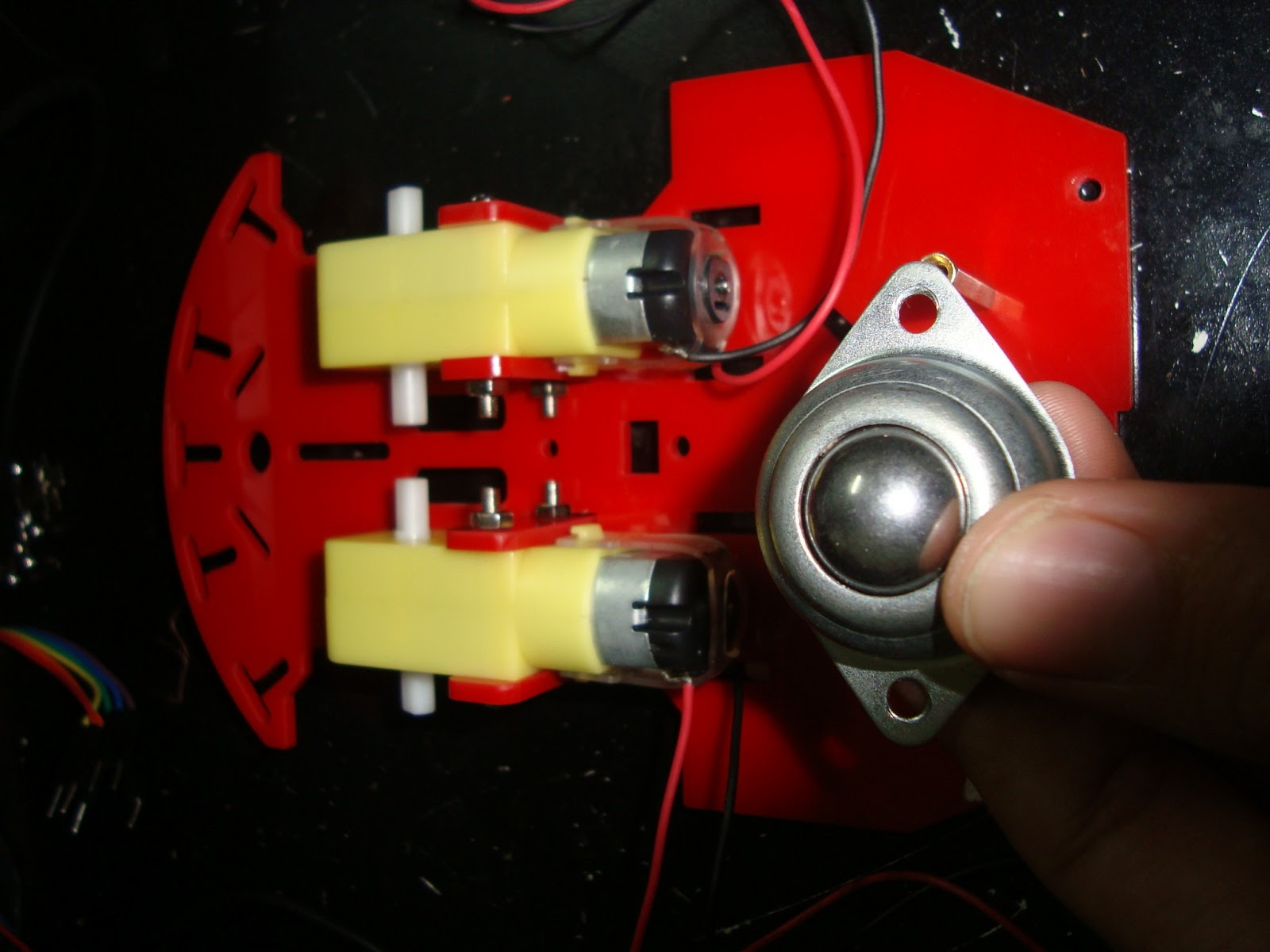Microcontroladores carro evita obstaculos