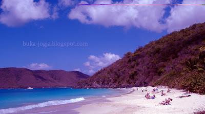 Pantai senggigi lombok, pantai pasir putih, wisata NTB, paket liburan murah, tempat eksotis