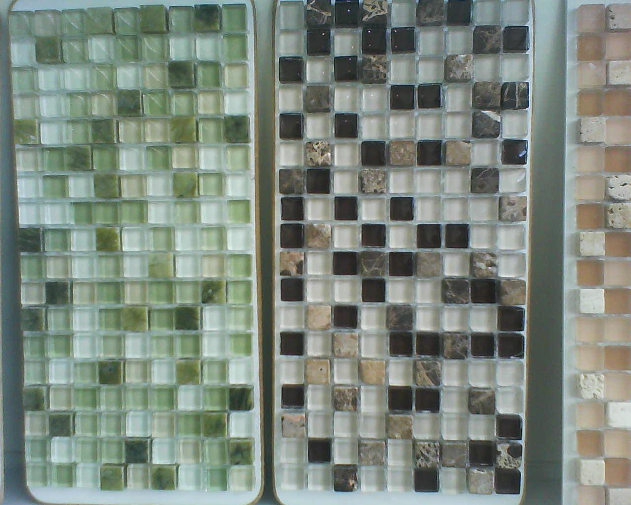 Pastilhas de vidro sortidas para o banheiro da suite/social #756956 1280x1024 Banheiro Com Acabamento Com Pastilhas