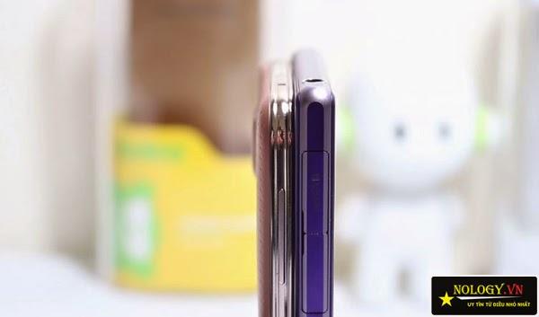 Smartphone Samsung Galaxy S5 Au và Sony Xperia Z1.