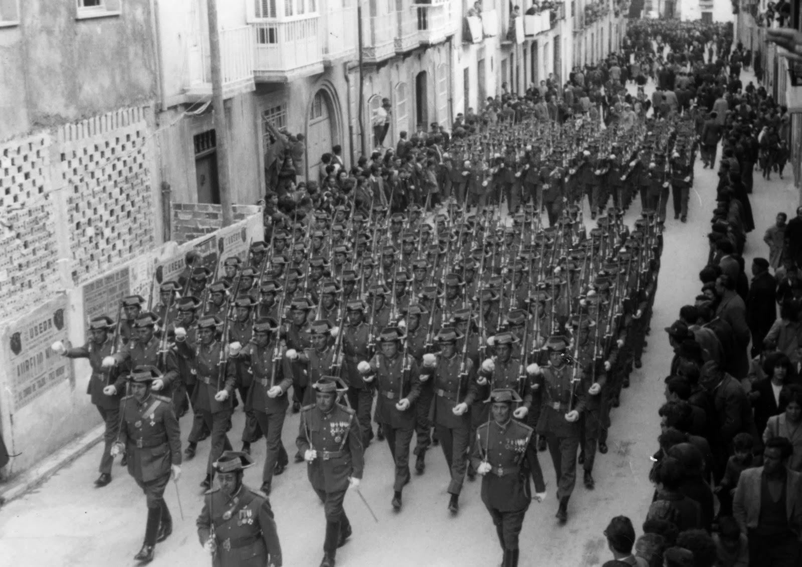 Fotos desfile Guardia Civil en el Corpus
