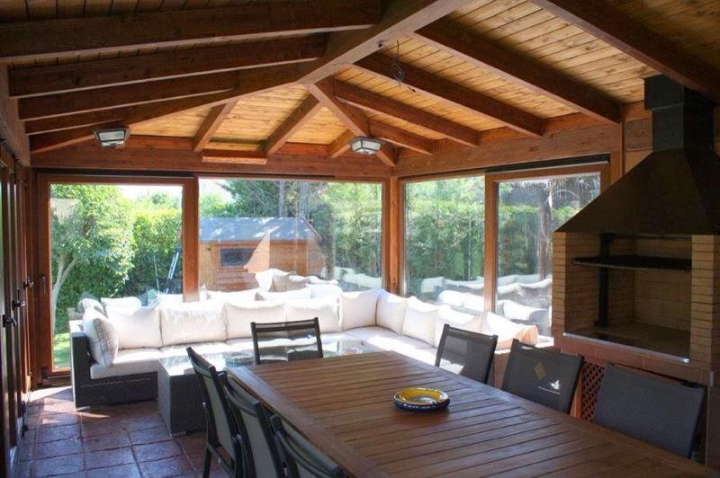 Cerramiento de vivienda para la ampliaci n del sal n en for Terrazas cerradas con madera