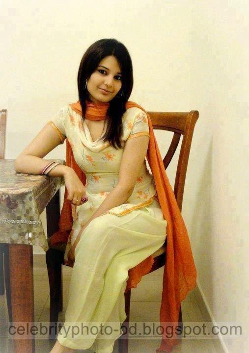Beautiful%2BPakistani%2BHot%2BGirls%2BPhotos%2BNew%2BCollection001