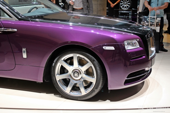 purple Rolls-Royce Wraith at Frankfurt Motor Show 2013