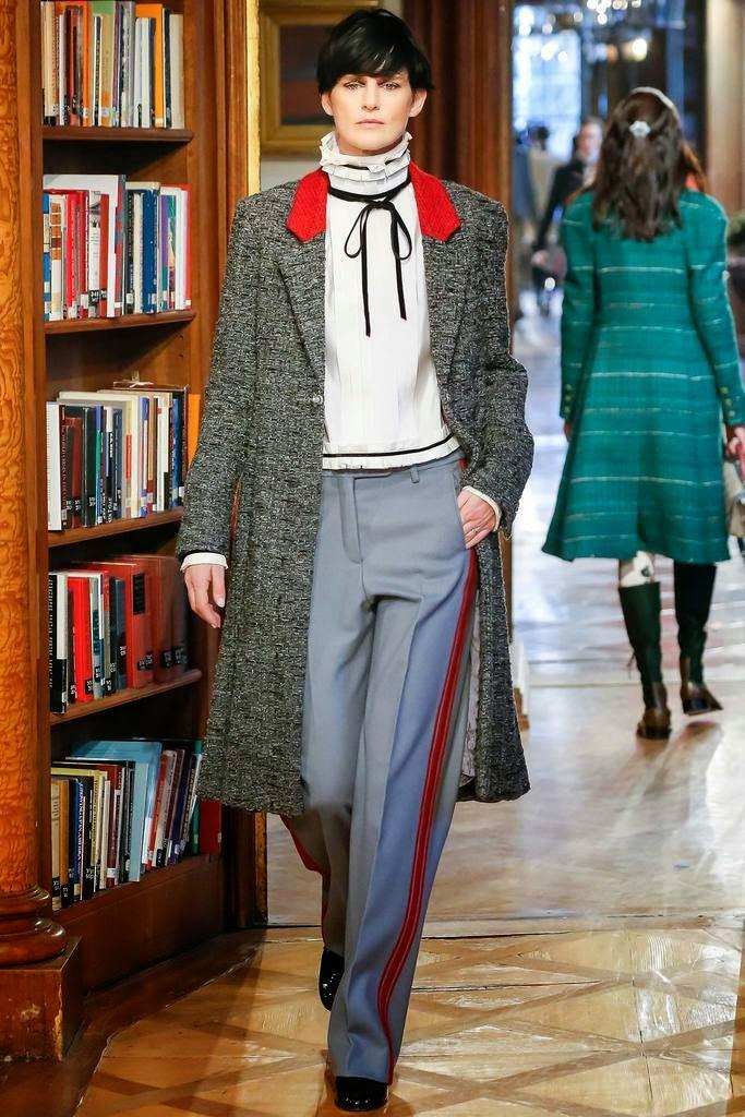 Chanel prefall 2015 blusa cuello victoriano con lazada