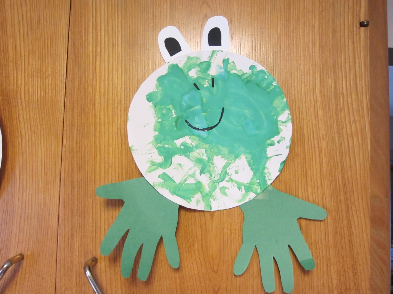 we read books about the color green including a couple of frog books and made a craft to go along with the books the craft was simple the girls were to - Books About The Color Green