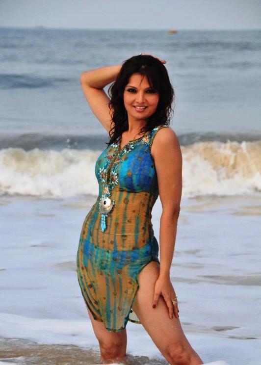 , Deepshikha Yeh Dooriyan Bikini Hot Stills
