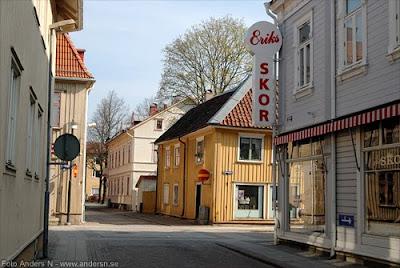 alingsås, drottninggatan, trähus, svensk småstad, gamla hus, mysig miljö, stadsmiljö, foto anders n