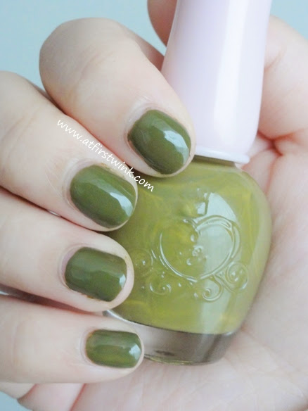 Etude House nail polish DGR704 - Only Olive swatches