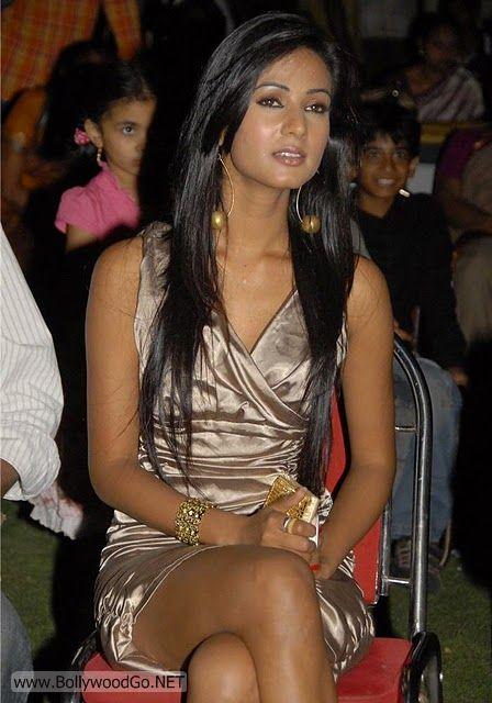 Sonal+Chauhan+-+BollywoodGo+(6)