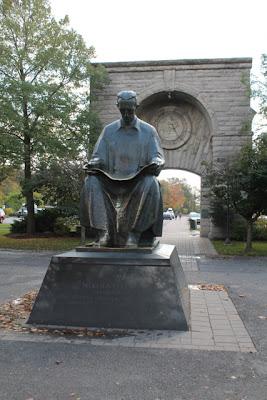 Tesla Statue