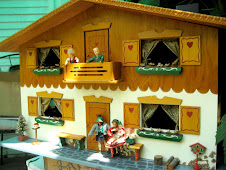F.A.O. Schwarz Dora Kuhn doll house