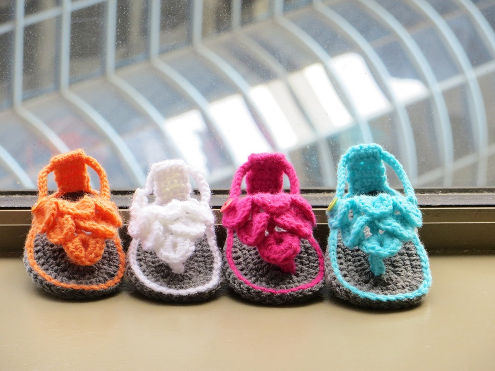 Free Patterns To Crochet Baby Sandals : Crochet Dreamz: Crocodile St Baby Sandals or Booties ...