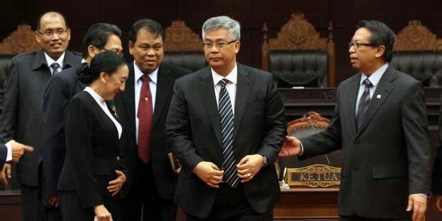 Ketua MK Ditangkap KPK