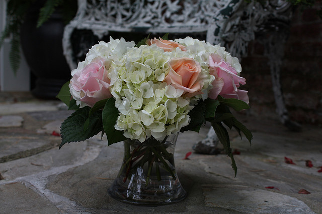 Quality silk plants blog silk flower arrangements and the newest hydrangea and fresh roses silk flower arrangement roses are definitely a beauty that no one can take their eyes off when fresh roses are coupled with mightylinksfo